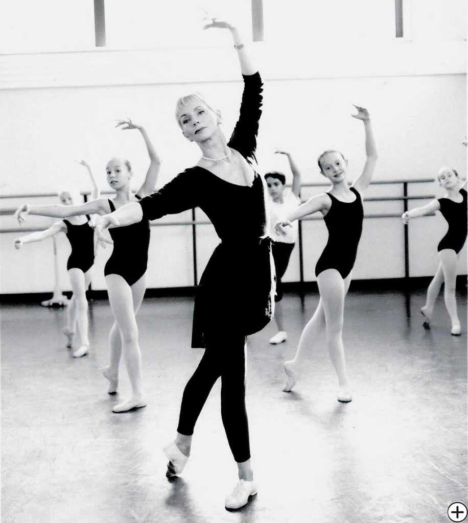 Garielle Whittle with students from The School of American Ballet for Vanity Fair magazine, December 2001, Choreographer by George Balanchine, © George Balanchine Trust