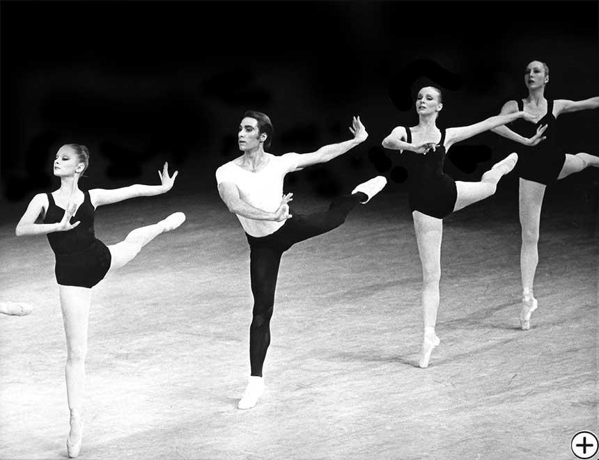 Garielle Whittle, The Four Temperaments 1982, Choreography by George Balanchine, © George Balanchine Trust; Photo: Martha Swope